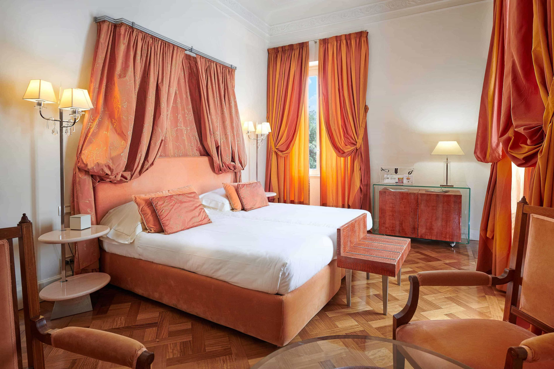 Hotel-room-ok